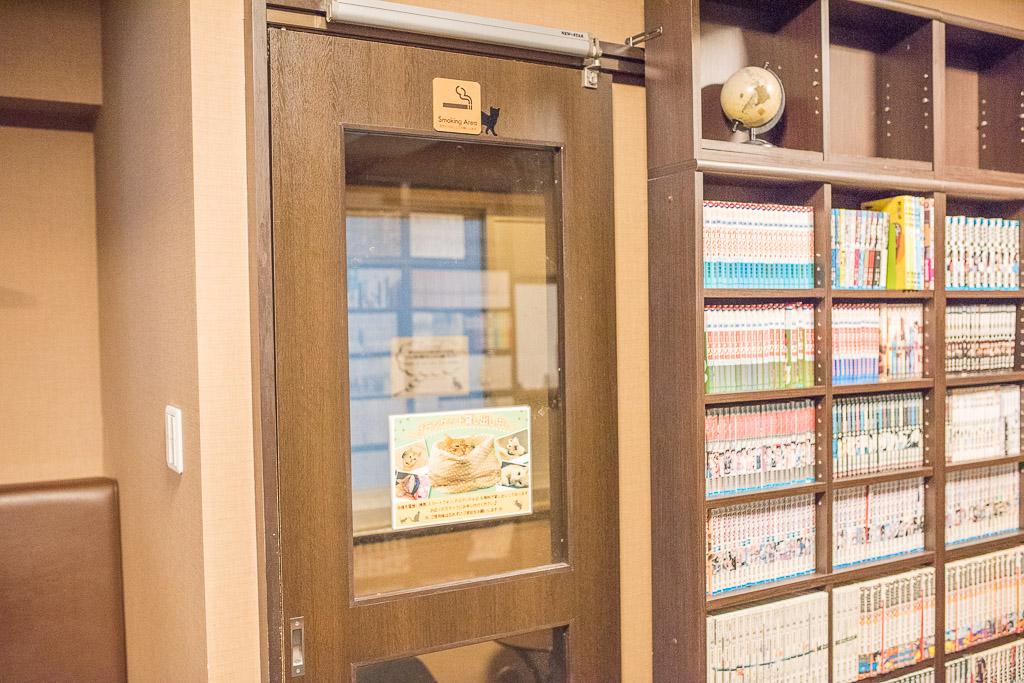 猫カフェ・きゃりこの喫煙室