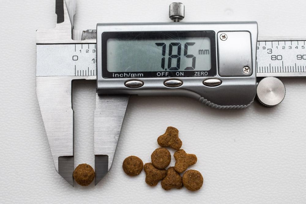 miawmiaw(ミャウミャウ)まぐろ味、丸タイプ粒の長さ測定