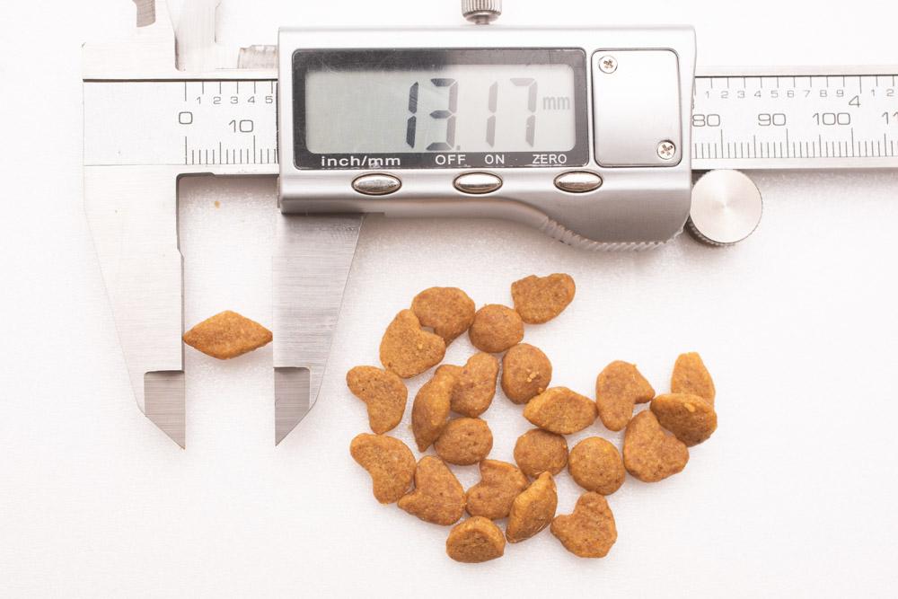 モンプチナチュラル新鮮若鶏の贅沢の長さ測定