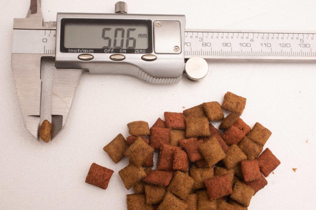 シーバDUO香りのまぐろと味わい鶏ささみ味の厚み測定