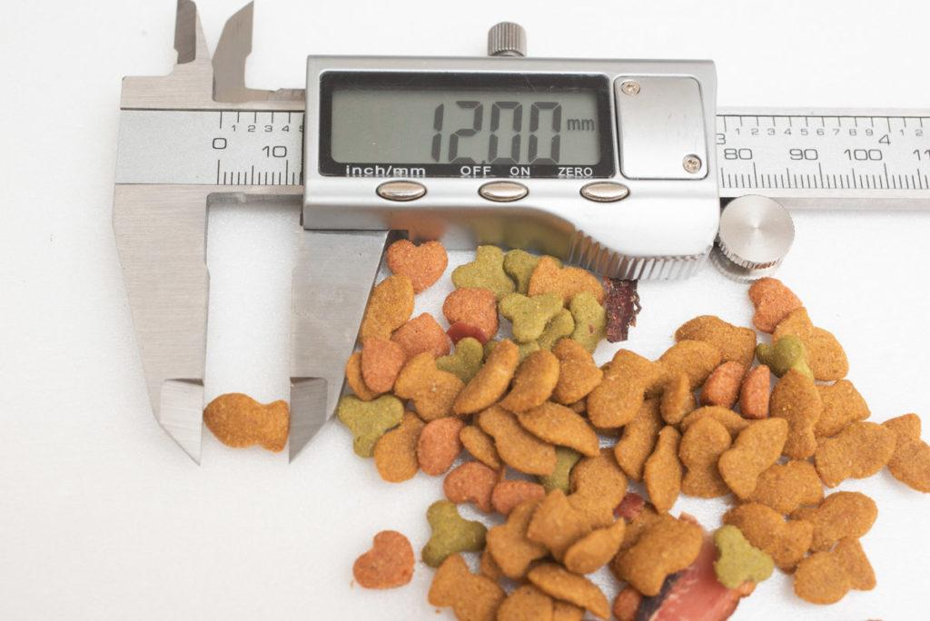懐石2dishの小魚添えパックの粒の長さ測定