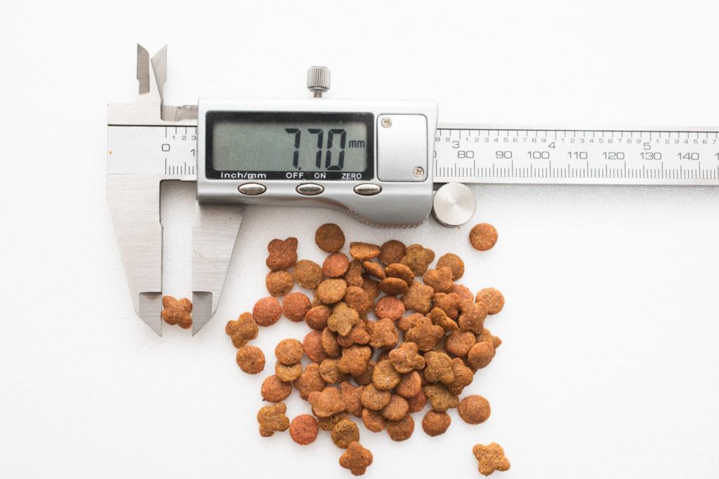 銀のスプーン三ツ星グルメ 下部尿路の健康維持の粒の長さ測定