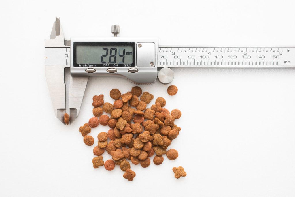 銀のスプーン三ツ星グルメ 下部尿路の健康維持の粒の厚み測定