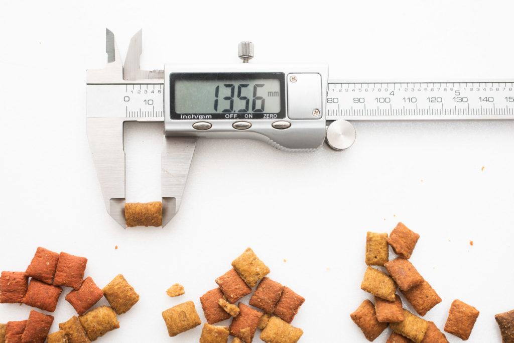 シーバDUO魚介とお肉のチーズ味セレクションの長さ測定