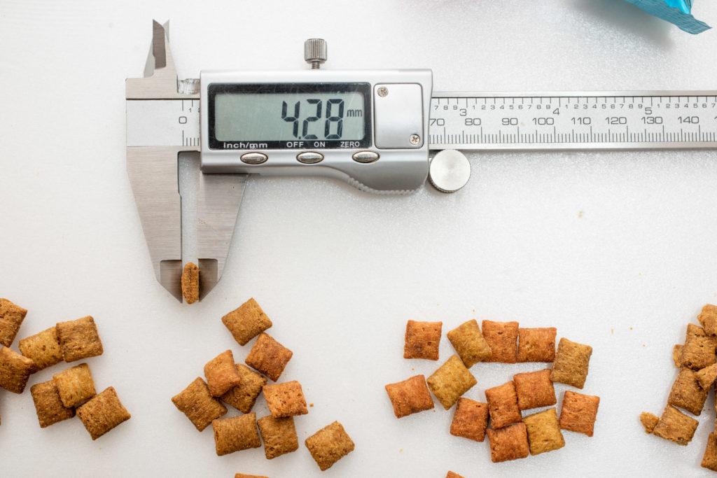 シーバDUO贅沢お魚味グルメセレクションの厚み計測